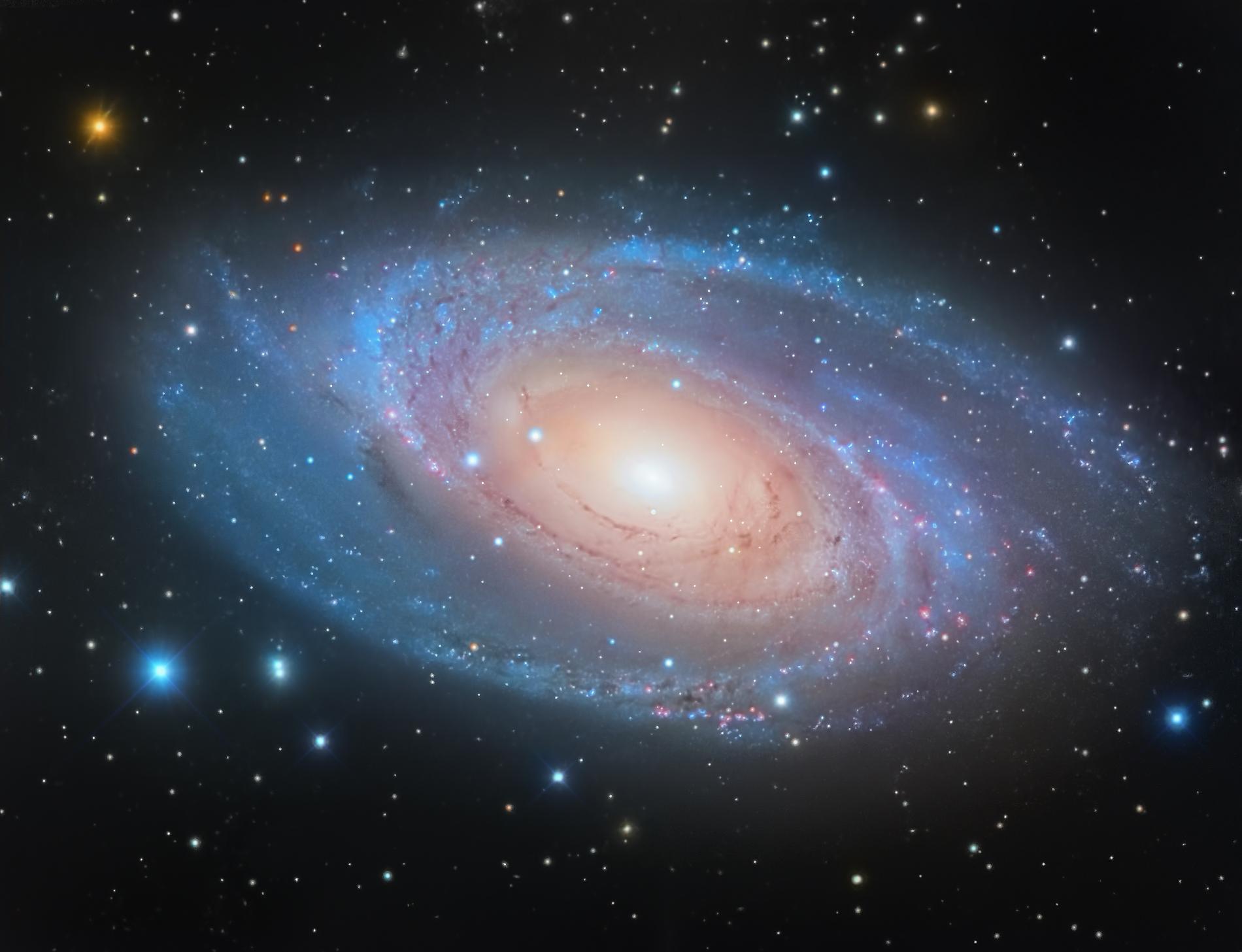 M81_Lum_ELAB_Flattern